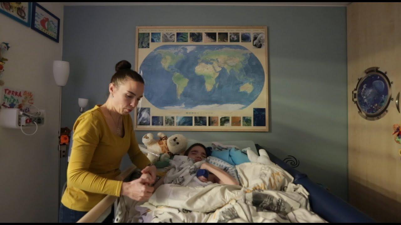 Rodiny nevyléčitelně nemocných dětí: Sehnat asistenci je nemožné