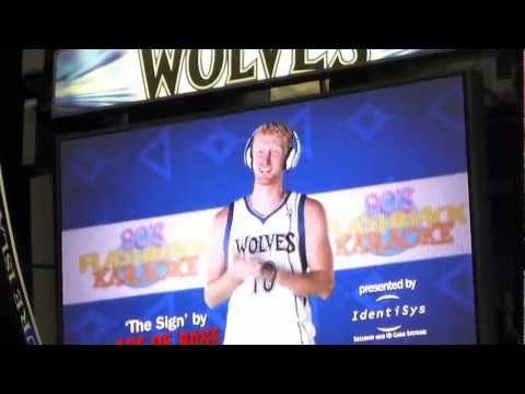 Timberwolves April 5, 2013 halftime-  Karaoke 90's