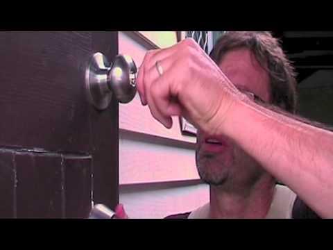 How To Repair A Door Lock. THE EASY WAY!