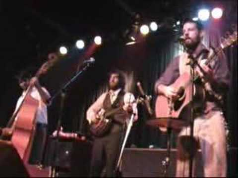 Pretty Girl At The Airport -The Avett Brothers - Music Farm