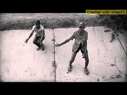 WALKING AND DABBING(MANE GANG)