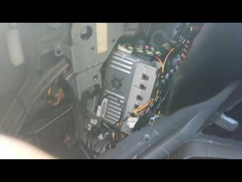 How to Remove Amplifier from Mercedes S550 2007 for Repair.