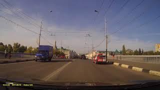 Момент ДТП на ул. Ленина (15.09.2017)
