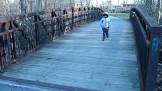 Amitabh - SHOLAY    Bridge !