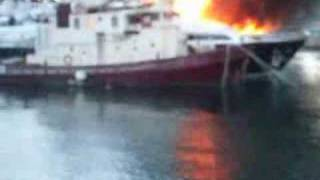 Barcelona Port Vell yacht fire sinking four luxury yachts