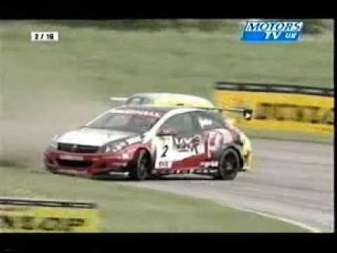 Yvan Muller BTCC Thruxton05
