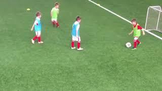 Awesome football soccer skills 6 year old boy Потрясающая техника футбола шестилетнего мальчика