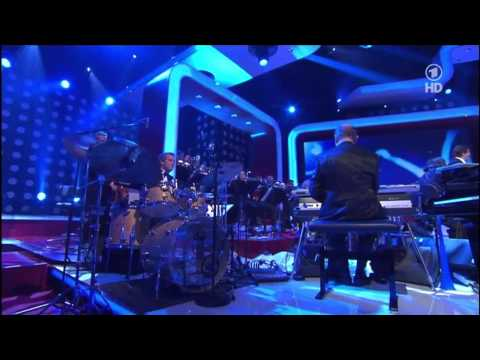Lena Meyer-Landrut - Satellite & Touch A New Day (Medley)