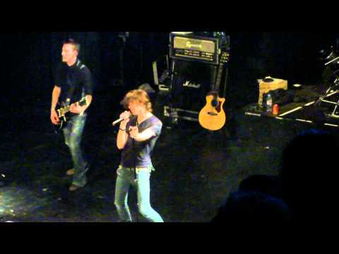 Alex Max Band : Stand up now
