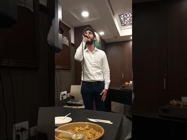 אריאל כהן מבצע את קטונתי לעיני יונתן ואהרון רזאל | צפו