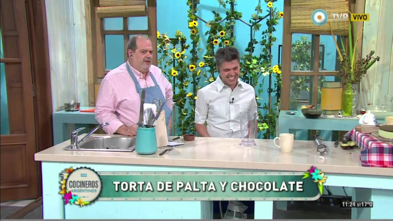 Torta cremosa de palta y chocolate