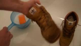 видео Как почистить замшевые кроссовки в домашних условиях?
