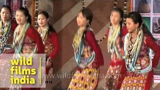 Women from Miji tribe of Arunachal Pradesh dance beautifully!