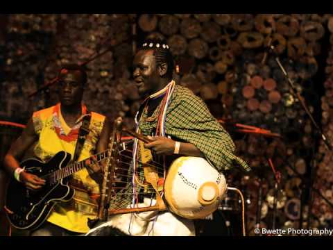 Music of Uganda : Adeudeu/Amagarait, Entongoli, Endongo, Nyatiti -Daniel Okiror