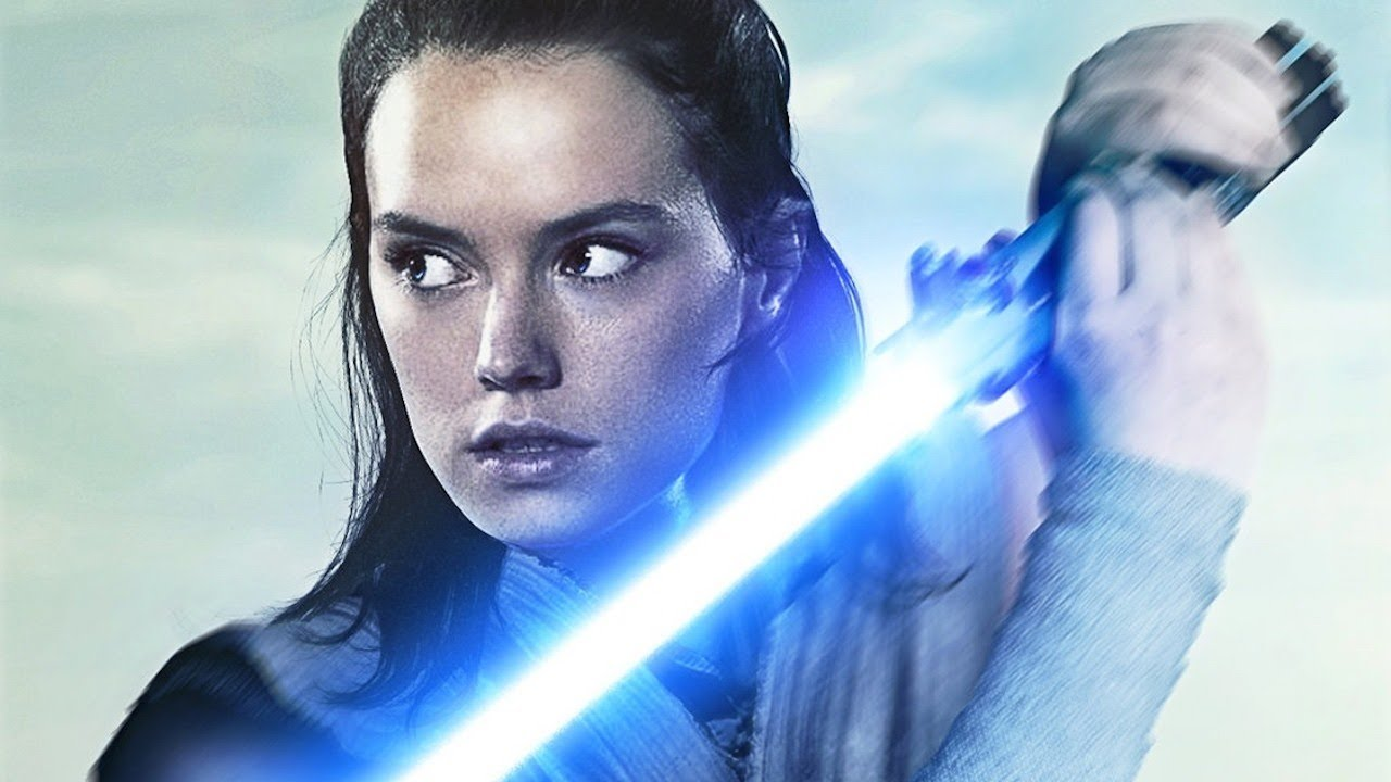 Daisy Ridley on the Importance of Rey's Parents' Identity – Star Wars: The Last Jedi Interview