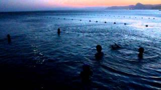 Крымские журналисты ночью на пляже. Меганом. Судак(24 июля команда крымских журналистов и министерства курортов и туризма АРК - купание в ночном море на пляже..., 2012-07-25T13:28:01.000Z)