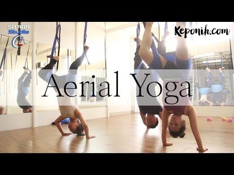Aerial Yoga, Menggabungkan Yoga, Pilates, Akrobatik dan Dance dengan bantuan Swing Hammock