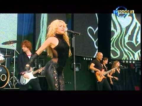Download Shakira - `` Objection `` (Tango) Live Party Park 2002