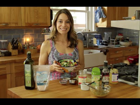The BEST Healthy Salad Dressing Ever!