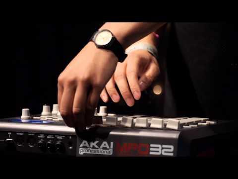 Giraffage - Moments/Luv (Live on KEXP)