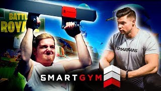 FORTNITE GAMER vs. BODYBUILDER im SMARTGYM (ft. TRYMACS) | SMARTGAINS
