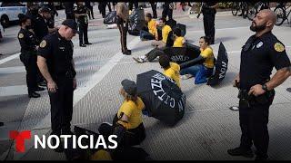 Arrestan a activistas por bloquear el paso a puerto de Miami