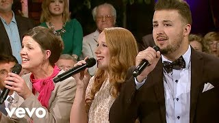 The Collingsworth Family - At Calvary (Live)