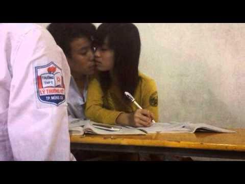 Cưỡng hiếp cô giáo bị phát hiên