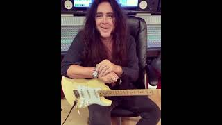 Yngwie Malmsteen - Pick up that guitar!