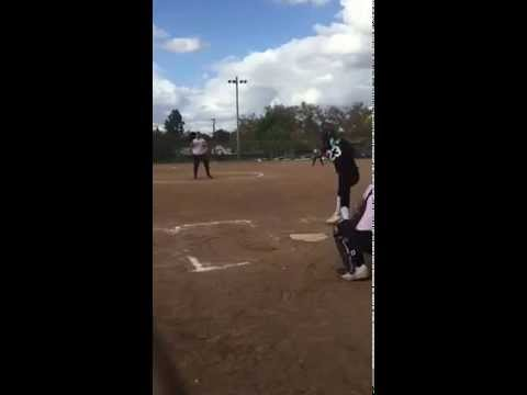 Sarah Clancy pitching 02
