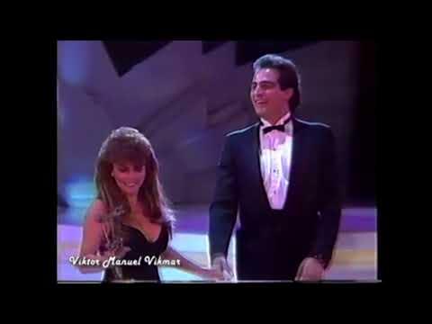 Veronica Castro y Omar Fierro en la entrega del Premio TvyNovelas