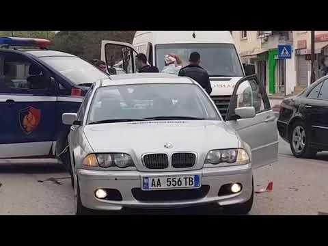 Vlorë, furgoni i policisë përplaset me një automjet - Top Channel Albania - News - Lajme