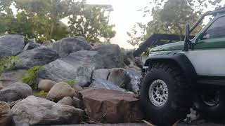 Video Traxxas trx4 with 2.2 tires and f150 body download MP3, 3GP, MP4, WEBM, AVI, FLV April 2018