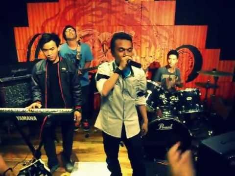 Johny Bogel feat SKETSA Band @HDC bekasi square