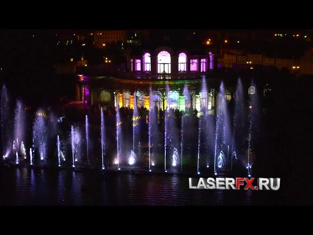 Лазерное шоу на воде