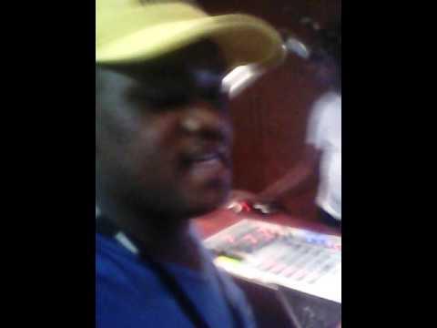 Lungani singing Sfiso Ncwane' s ngipholise