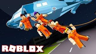 EPIC HELICOPTER PRISON ESCAPE IN ROBLOX!