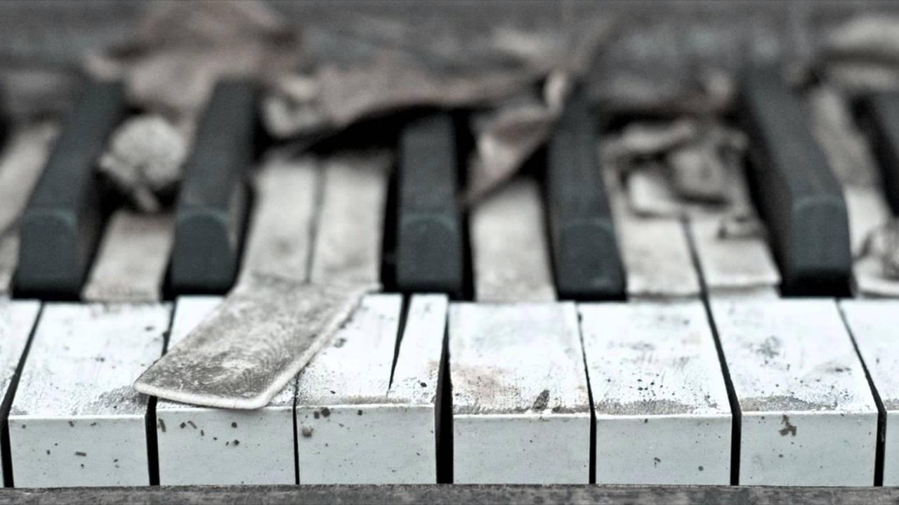 Sad Piano Music (THIS WILL MAKE YOU CRY / Saddest Piano ...