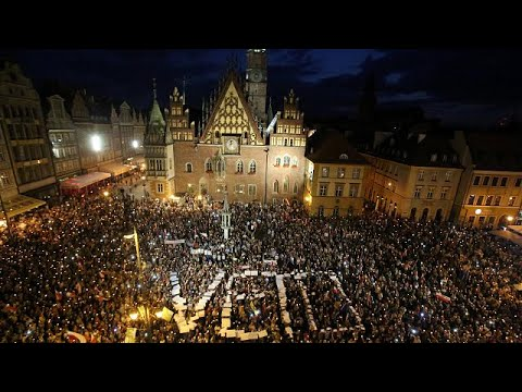 Thousands protest as Poland's Senate passes contested judiciary bill