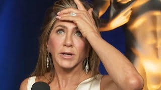 Jennifer Aniston on Forgetting to Thank EXTRAORDINARY Cast in Acceptance Speech | SAG Awards 2020