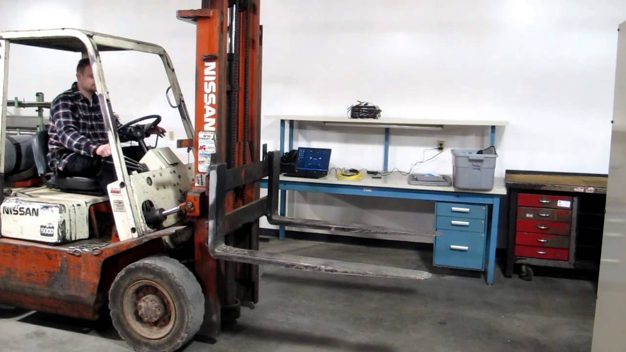 lot 245 nissan datsun model f02 5000 lp 5 000 lb forklift youtube rh youtube com Nissan 50 Forklift Manual Yale Forklift Manual