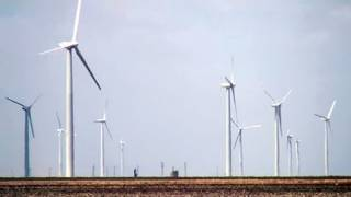 World's Largest Wind Farm Churns in Texas