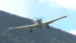 Beechcraft Bonanza approach and landing