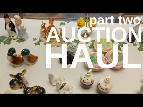 {Part 2} AUCTION Haul - Salt And Pepper, Figures And Vanity Boxes