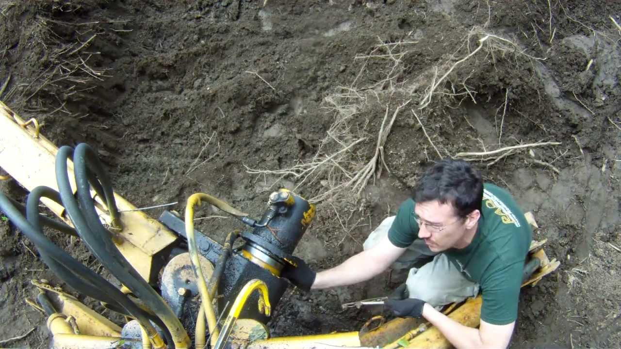 Fixing an International Harvester 3414 Backhoe - 4 - My Garage Build on