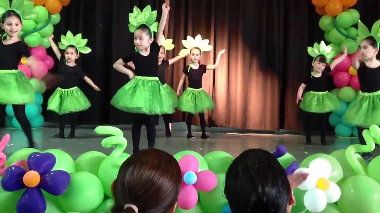 Baile del dia de las madres de Galia - YouTube