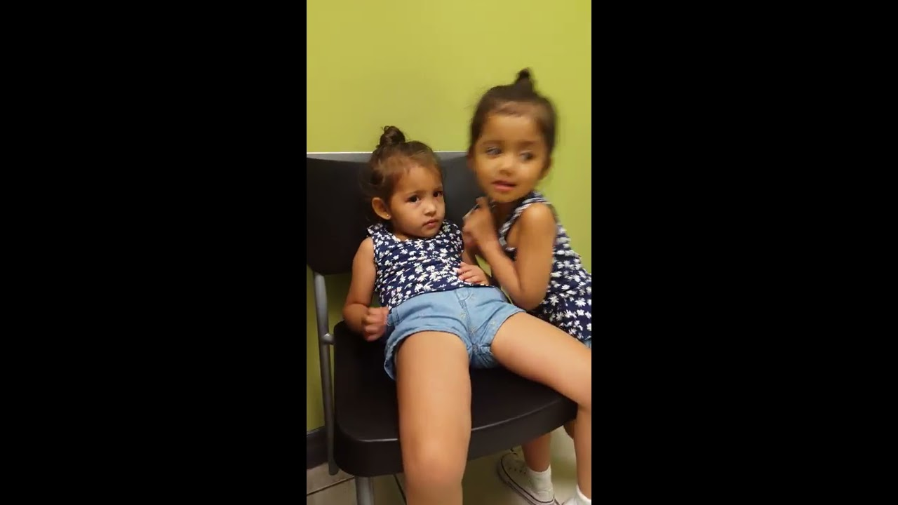 4 year old twins play doctor