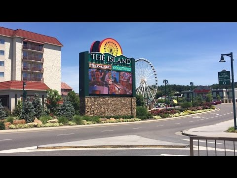 Our 7th Anniversary Trip to Tennessee (Part 1) The Island at Pigeon Forge..Day 1