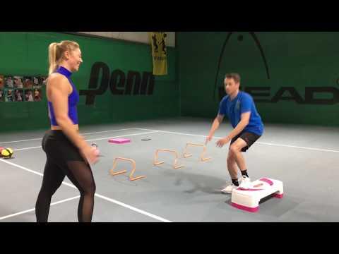 Fitnesstraining mit Carina Witthöft: Balance-Step
