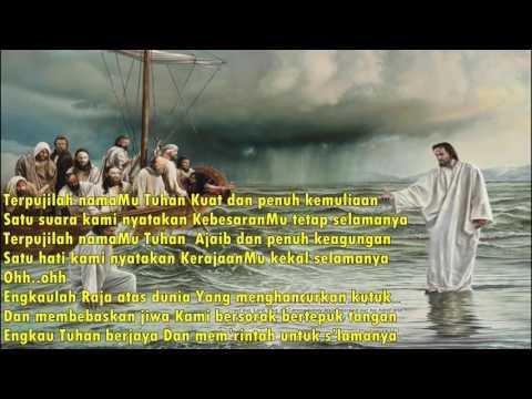 Terpujilah namaMu Tuhan Kuat dan penuh kemuliaan ( COVER )